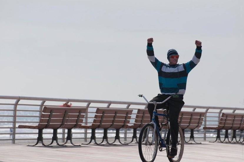 Biker hands upDSC_7086