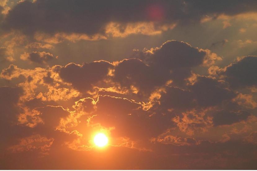 sun in cloudsIMGP3709