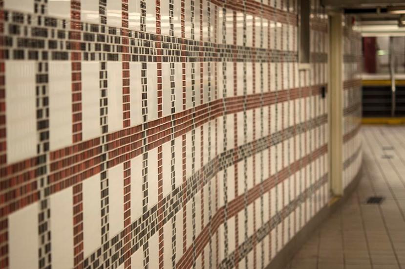 Colored tile wallDSC_9303