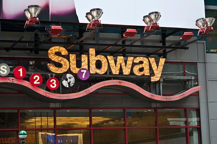 Subway sign w LeeDSC_1109