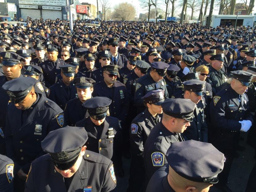 Police throngIMG_0468