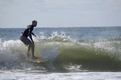 Dave Murphy surfing wood DSC_8811