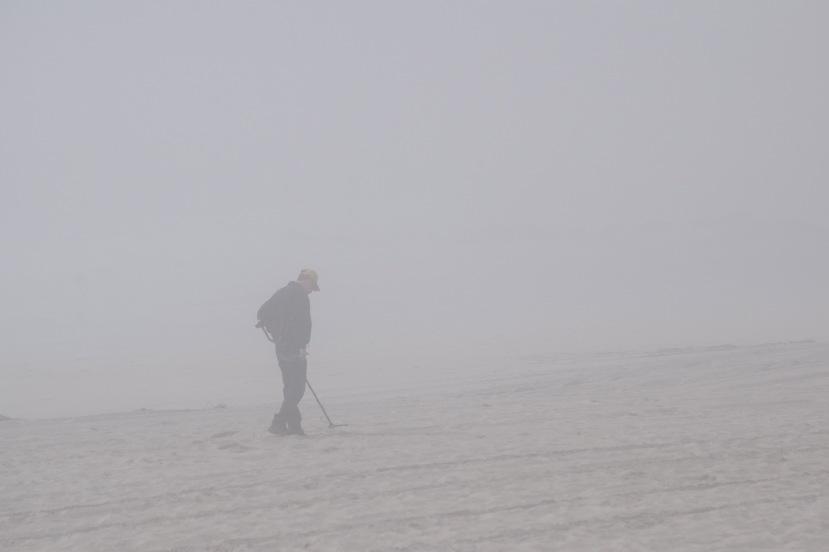 detectorist in fog DSC_6805.jpg