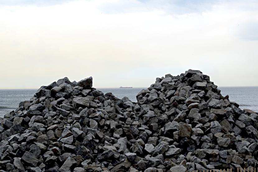 Rock piles DSC_0117.jpg