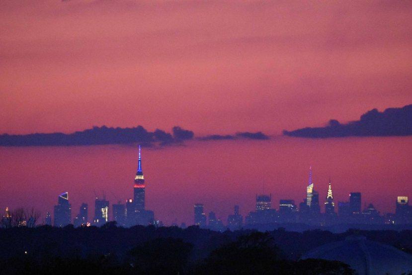 skyline red white blue DSC_3185.jpg