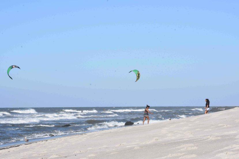 Kiteboarders DSC_9032