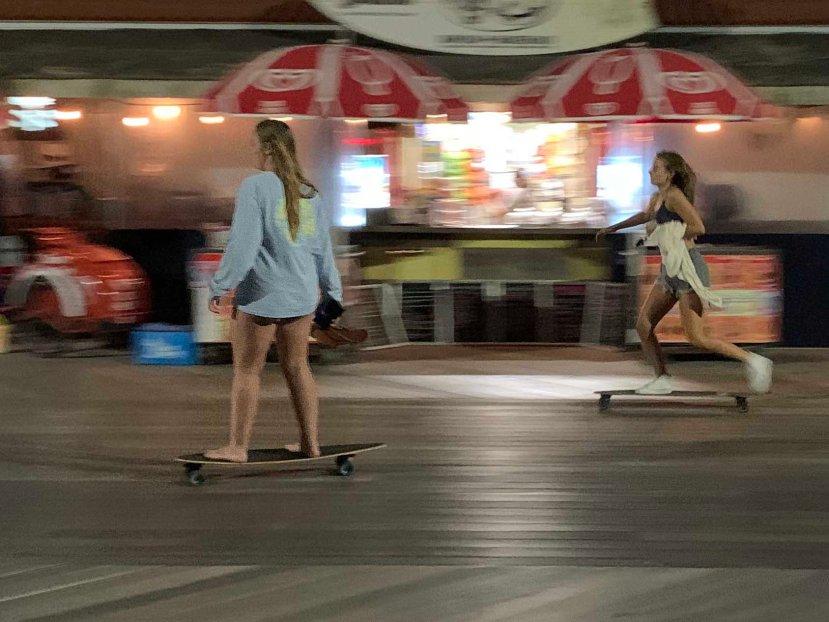 skate board gals IMG_3208.jpg